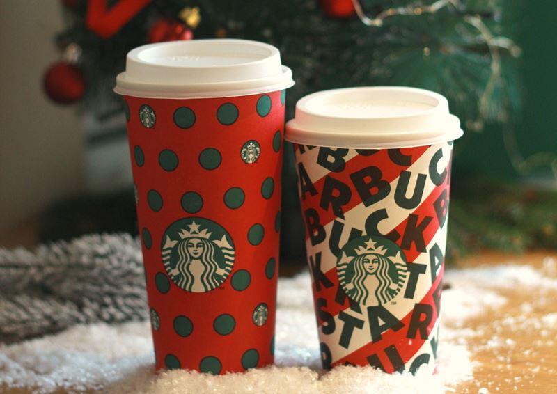 Рождественская атмосфера в Starbucks: зимние напитки и приятные подарки