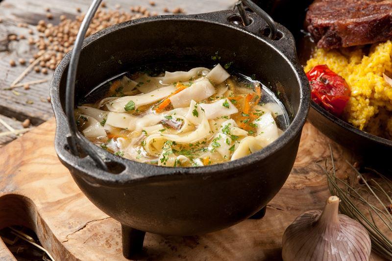 Рецепты похмельных блюд - Лапша куриная с потрошками от шеф-повара ресторана «Шинок»