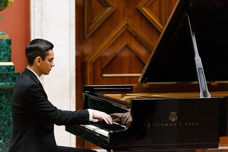 «Пианиссимо»: фортепианный вечер в швейцарском Санкт-Морице с участием всемирно известных пианистов из России