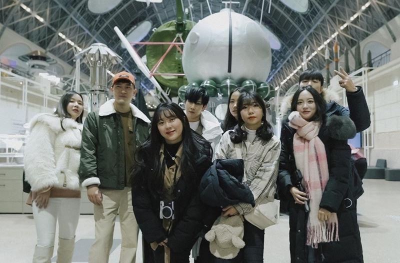 Европа и Азия встретились на ВДНХ: иностранные тревел-блогеры посетили Москву