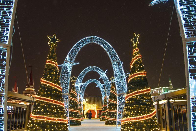 Новогодний фестиваль на Кремлевской набережной в Казани - фото 1
