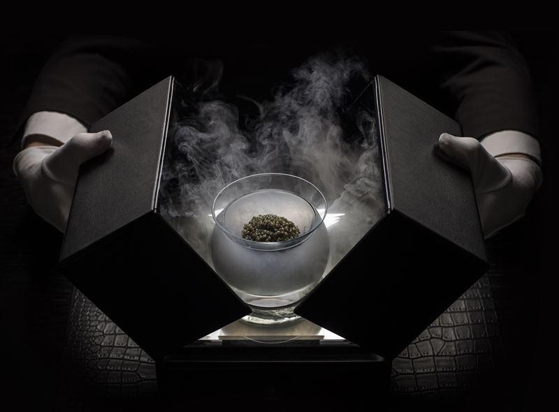 «Икорный бар» Гранд Отеля Европа - бриллиант русской кухни в ювелирной подаче
