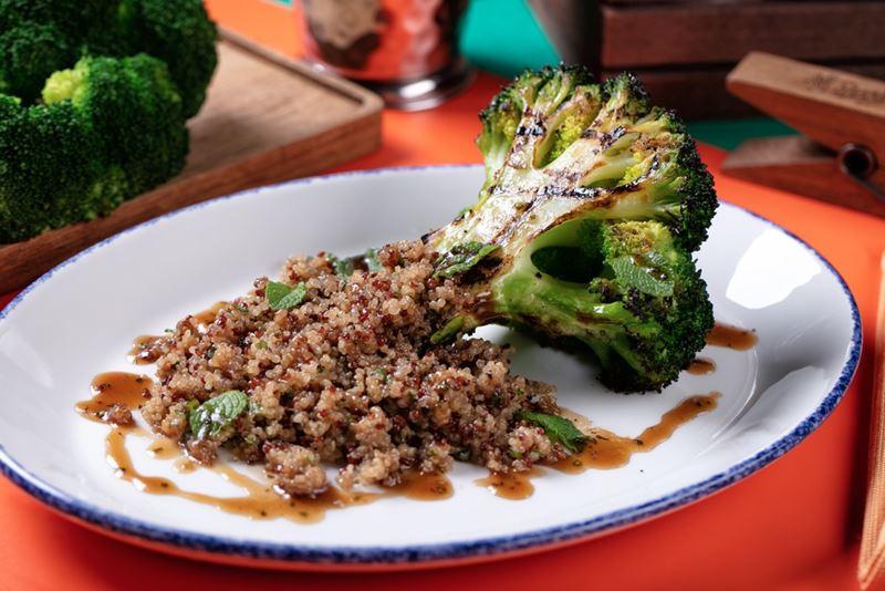 Рецепты с капустой от шеф-поваров ресторанов - Брокколи на гриле с киноа