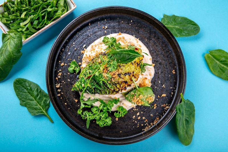 Рецепты с капустой от шеф-поваров ресторанов - Савойская капуста-гриль с майонезом из тофу