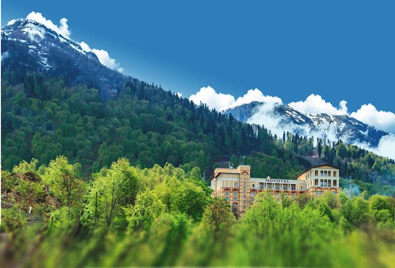 Летние каникулы 2020: 7 отелей в Сочи и на Красной Поляне - Novotel Resort Красная Поляна Сочи