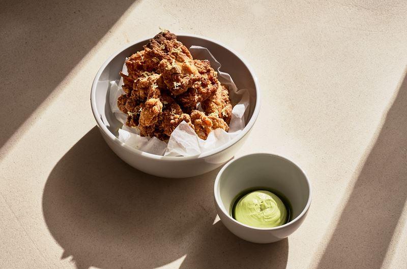 Рецепт - Жареная курица в пахте от шеф-повара Свена Вассмера (Grand Hotel Quellenhof)