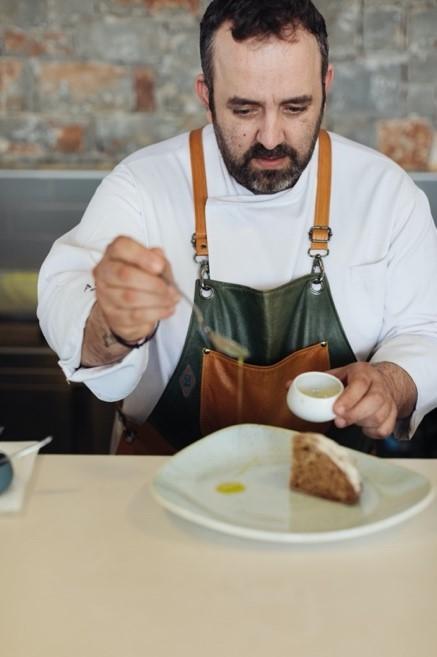 Рецепт критских ячменных сухарей Barley Rusk от шеф-повара Зинонаса Христофидиса