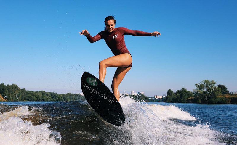 Вейксерфинг, сапсерфинг и открытые бассейны: #Москвастобой рассказывает, где заняться водными видами спорта в столице