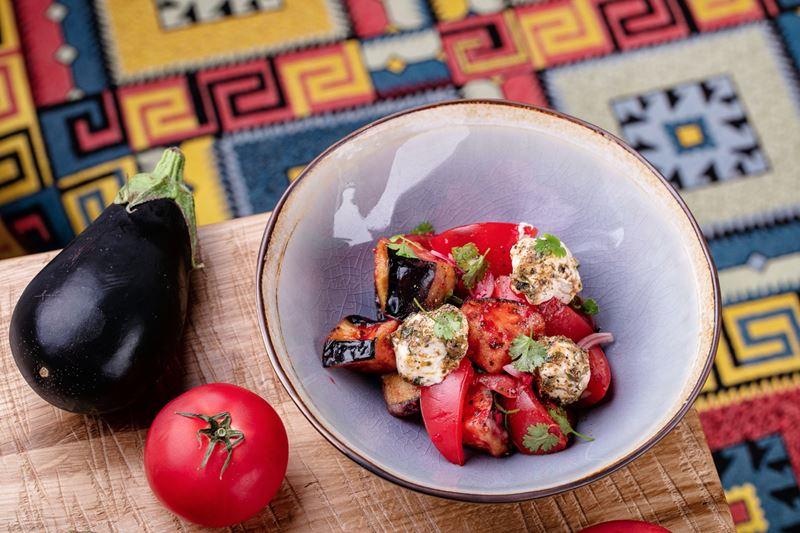 Новое место в Москве: кафе современной грузинской кухни Saperavi Cafe - салат