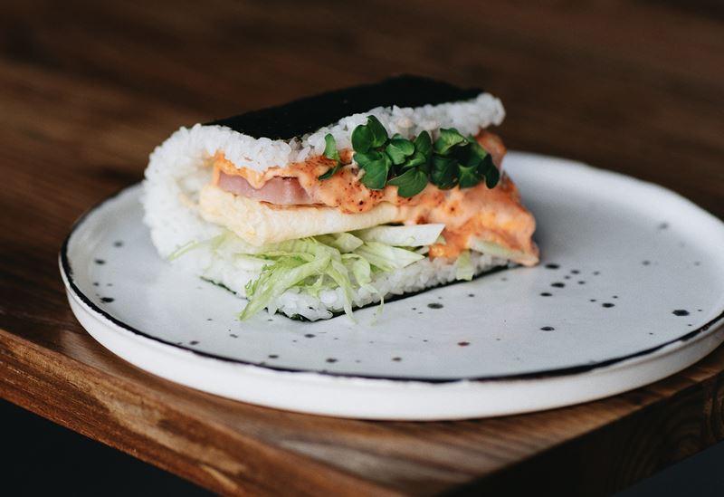 Supramen и Sibaristica открывают pop-up кафе - сэндвич с омлетом и тунцом