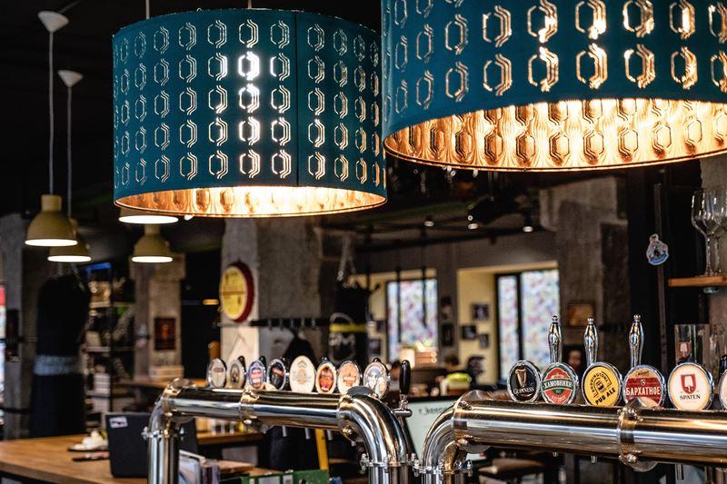 Новое место в Москве: гастропаб «Гаражане» - краны с пивом